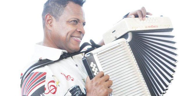 Omar Geles sigue dejando en el alto el folclor vallenato