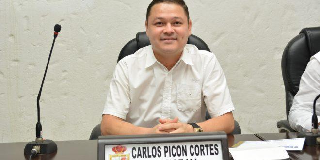 Concejal Carlos Picón agradeció el voto de confianza de sus compañeros