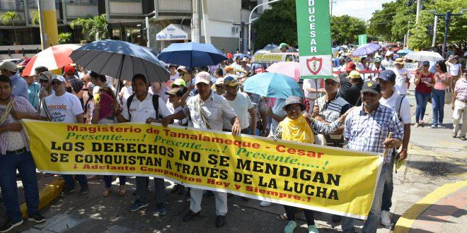 Docentes de la capital vallenata estarán dos días más en paro.