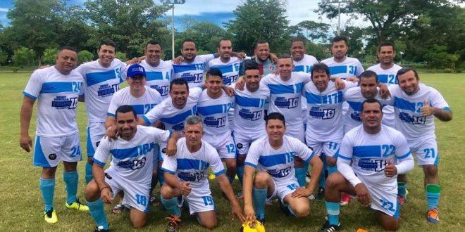 Equipo 10+ participan en Torneo de Egresados UPC