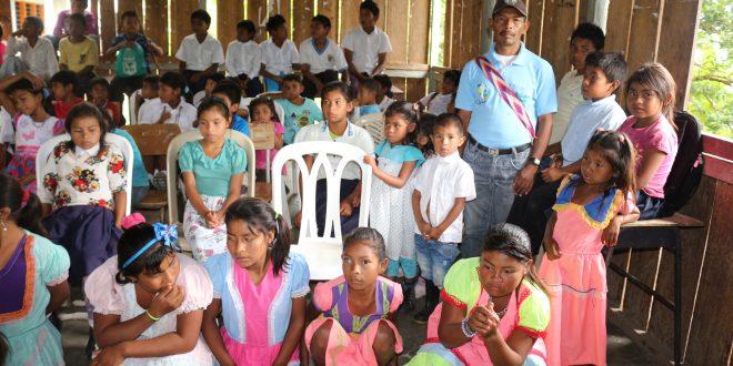 Estudiantes indígenas iniciarán clase con PAE garantizado