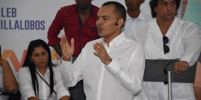 Kaleb Villalobos oficializó su candidatura a la Gobernación del Cesar